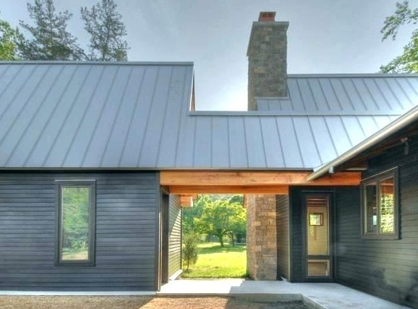 Сайдинг дом серый