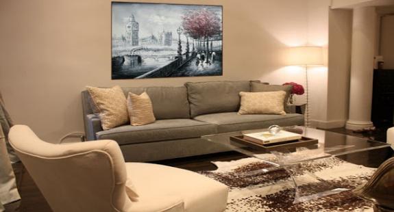 Картина маслом в дизайне гостиной